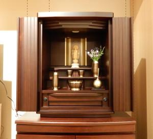 いつもの暮らしの すぐぞばに。    国産家具調仏壇    富山仏壇・佛光堂